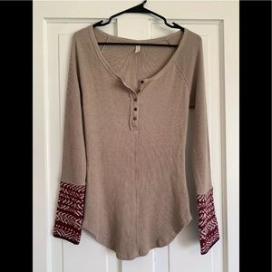 Free People M Shirt Crochet Cuff Brown Henley Ther